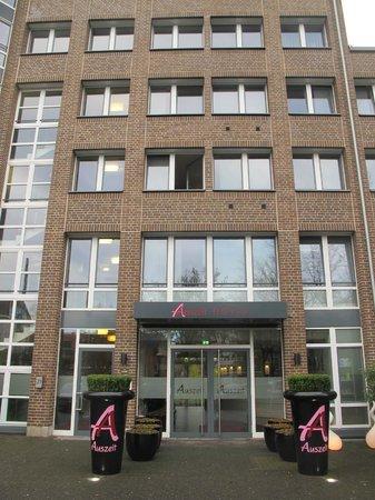 Auszeit Hotel Dusseldorf : Фасад
