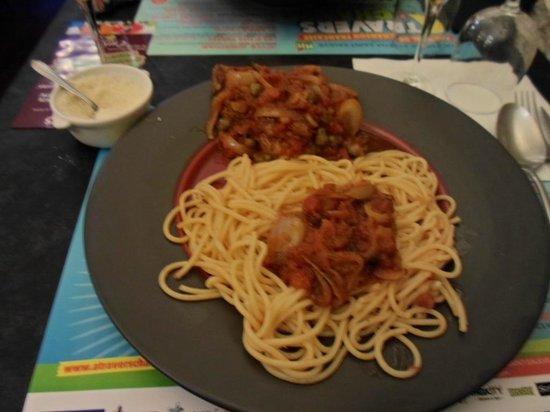 """Chez Zou : entrecôte """"Pizzaiolo"""" avec pâtes"""