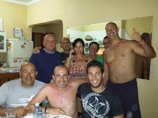 Hostal Milagros Pineda Tamayo : 5 Maltese men with @ Casa Miagros
