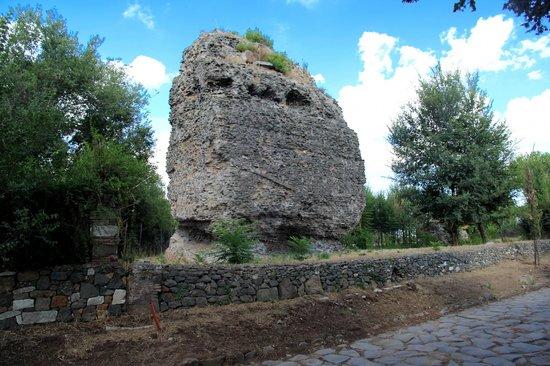 Parco Regionale dell'Appia Antica: Torre Capo de bove