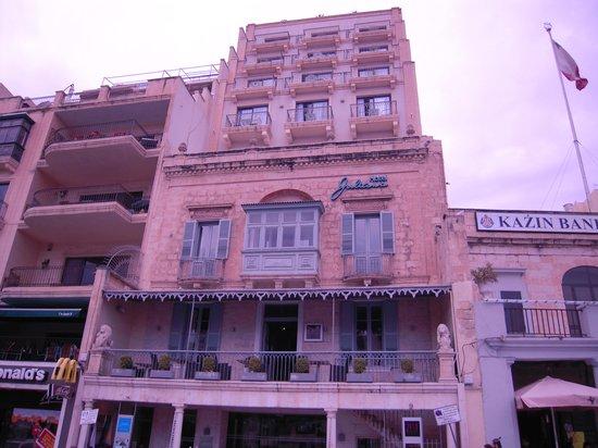 Hotel Juliani: ホテル外観