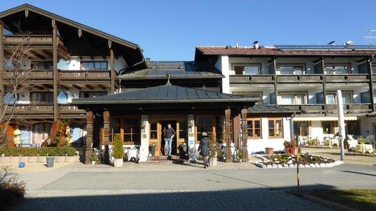 Alpenhotel Zechmeisterlehen: Hoteleingang