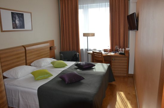 Albert Hotel : The room, small but super-functional and feels spacious