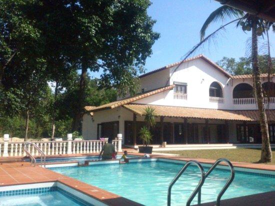 Casa Titik: プールから見た景色