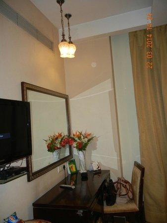 HK Clarks Inn: Room decoration