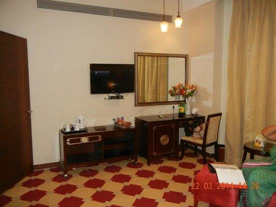 HK Clarks Inn: Royal Suite room
