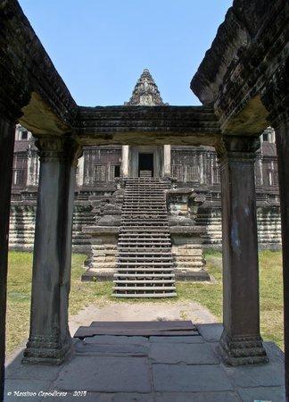 Angkor Vat : Inside AW