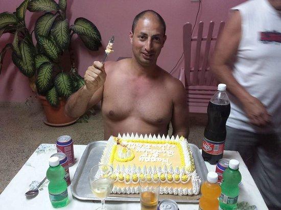 Carmen y Daniel : tks for birthday cake.. :))
