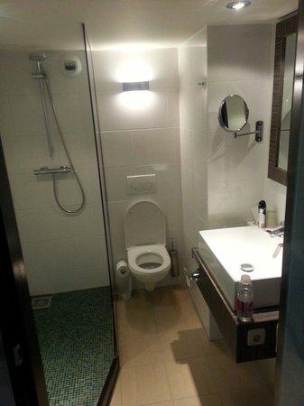Carlton Beach : Bathroom