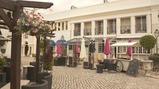 Casa do Largo : Front of Restaurant