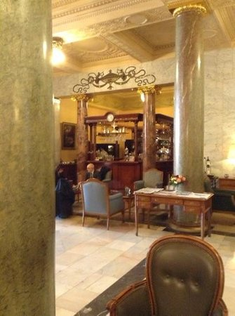 Hotel Metropol Moscow : bar fumeur, tres belle carte et belle prestation