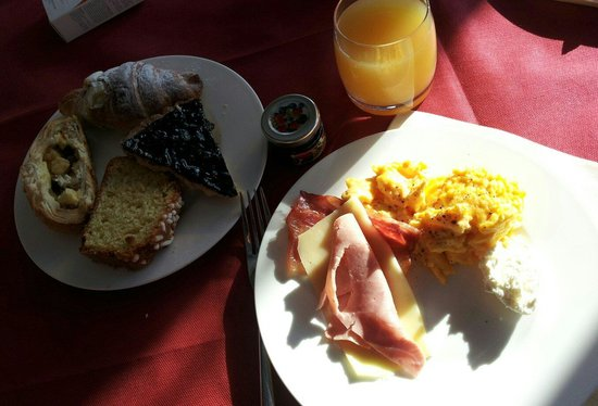Etruria Resort & Natural Spa: Colazione a buffet
