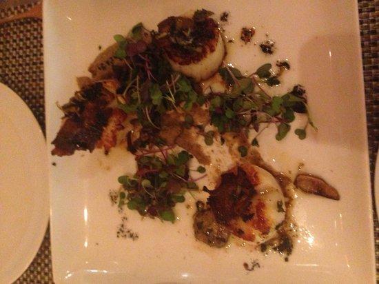 Fig & Olive Fifth Avenue : Seared scallops