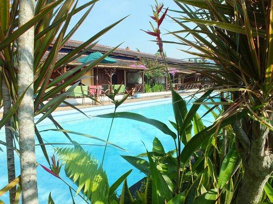 Villa Sumbing Indah: La piscine