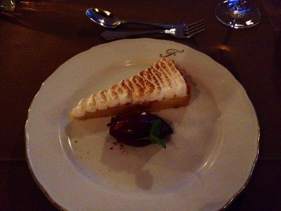 Funktionaermessen Restaurant: French Tarte au Citron with Italian meringues and blackcurrant sorbet