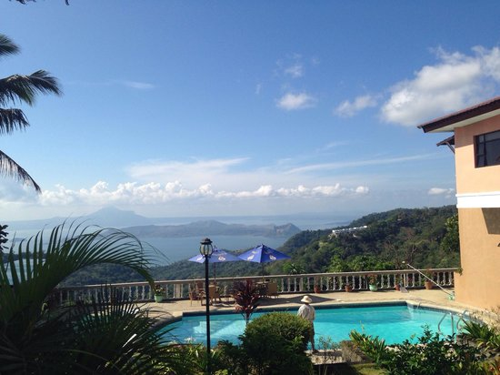Villa Marinelli Bed and Breakfast : View from the garden