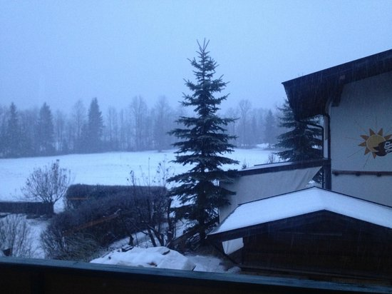 Hotel Gaensleit: View from our bedroom on a snowy morning