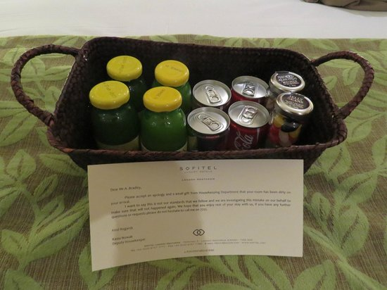 Sofitel London Heathrow : Gift basket following room problem