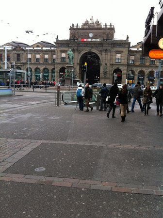 Bahnhofstrasse: Weekend