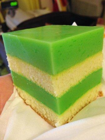 PPisland Hotel: Pandan Cake from Jan's Homemade Cakes