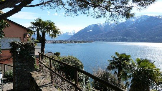 Hotel Collinetta : vue sur le lac