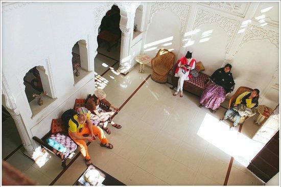 Rawla Mrignayani Palace: Хол, рецепшн отеля