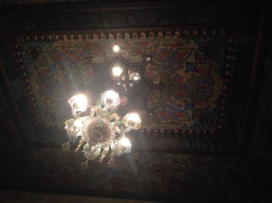 Izala Hotel : Tavan ve avize harika