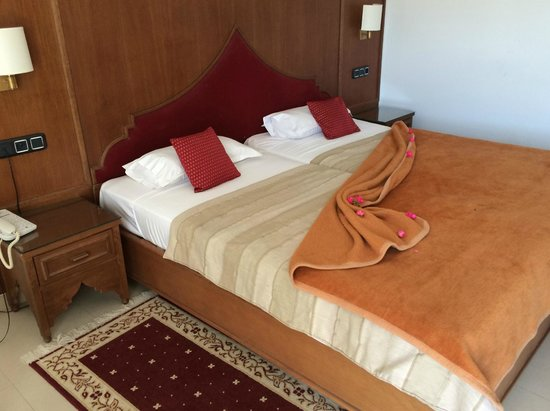 Eden Yasmine Hotel & SPA: Our First Night's Room