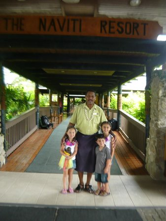 Naviti Resort: kids with uncle bill