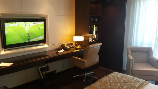 ITC Grand Chola, Chennai: The overall room lighting could be a little bit more