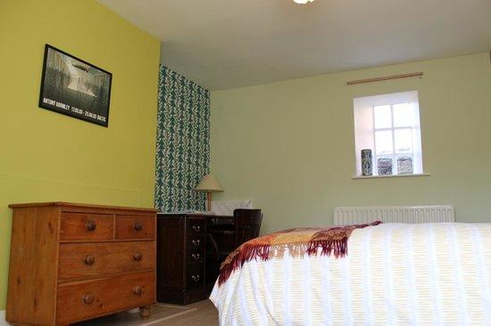 Bridge House B&B: The Green Room