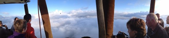 Bill Harrop's Original Balloon Safaris : Harrop's Magaliesberg Cloudscape