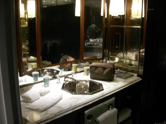Rosewood London: Belle salle de bain