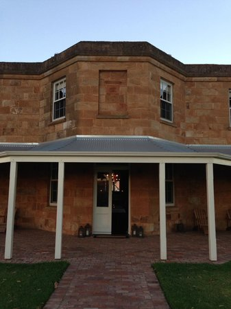 Kingsford Homestead: Outside the dining room