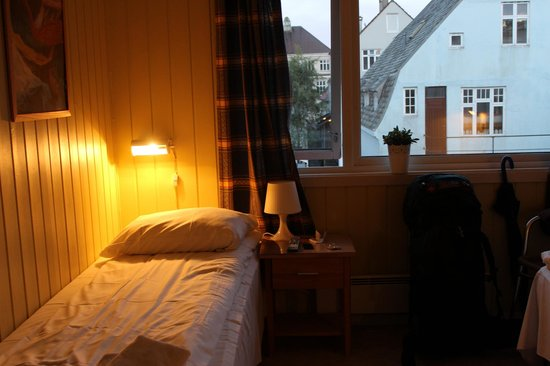 Stavanger Bed & Breakfast: Cosy room for two
