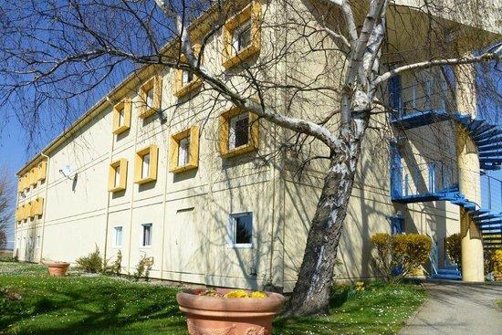 Ibis Budget Santeny : vue de l'hôtel à l'extérieur