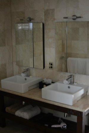 Te Manava Luxury Villas & Spa: bathroom