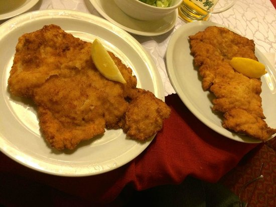 Schnitzelwirt : This is the wienerschnitzel split across two plates.  This only cost E6.70