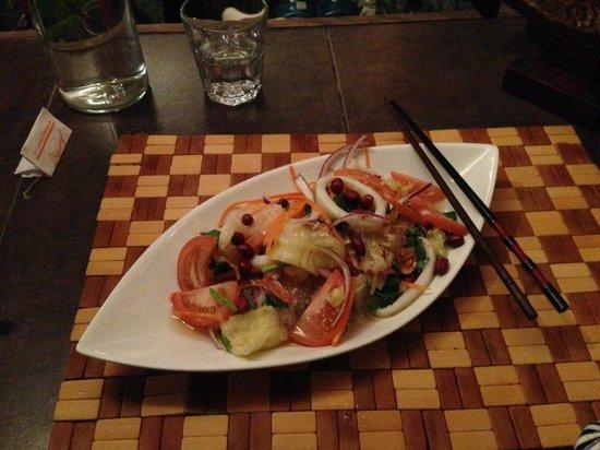 Pamika Brasserie Thai : Gasnudelsalat mit Krabben, Schweinswurst und Gemüse