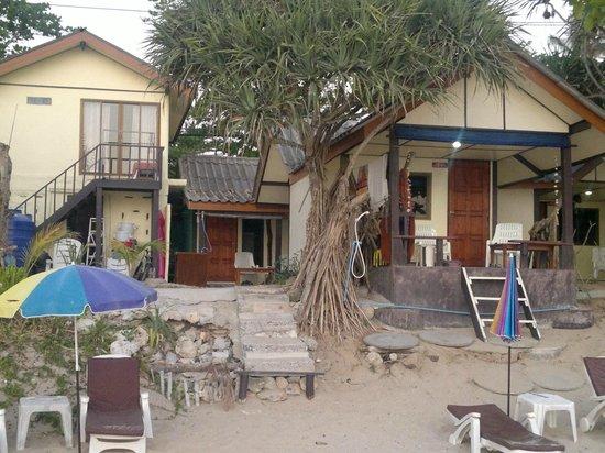 Oasis Sunset: Baan Rim Lay - next door to restaurant