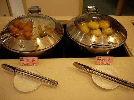Ibis Xiamen Kaiyuan: 雞蛋火腿腸,選擇不多就是簡單!