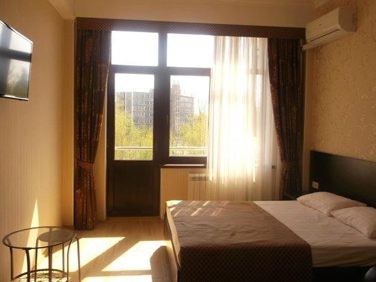 Отель Олимпия-Лазаревское: стандартный номер с балконом