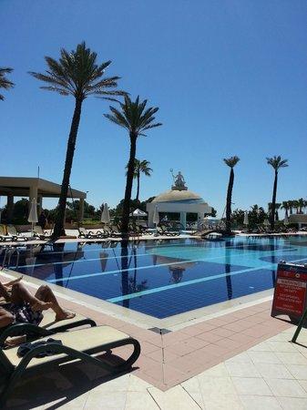 Limak Atlantis Deluxe Hotel & Resort: Een van de vele zwembaden