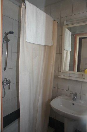 Crystallo Apartments : Bathroom