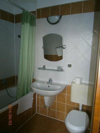 Hotel Polonia: łazienka (z wanną)