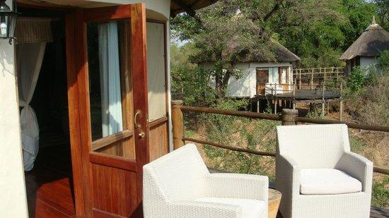 Sanctuary Sussi & Chuma: Terrasse
