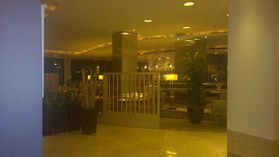 Hilton Milan: dining/recepotion area
