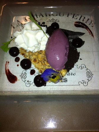Rose & Crown: The black forest Dessert