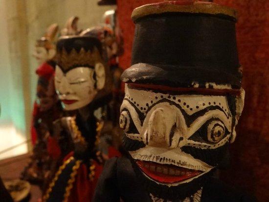 Villa Kampung Kecil : куклы