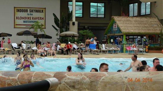 Wilderness Resort : wave pool